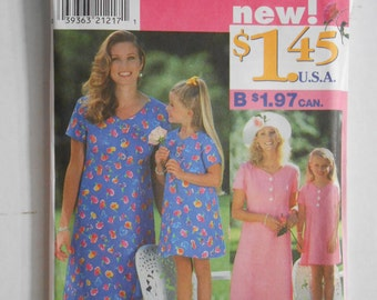Mother and Daughter Easy Matching Dress Pattern Simplicity 7984 Size 3 4 5 6 7 8 12 14 16 18 20 Bust 34 36 38 40 42  UNCUT