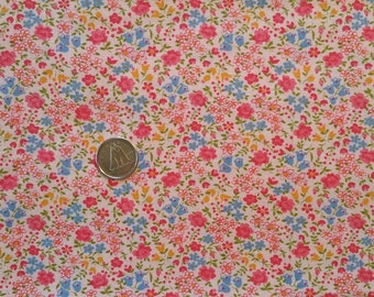 PK030 ~ Flower print fabric Blue flowers Pink flowers Quilting fabric Quilt