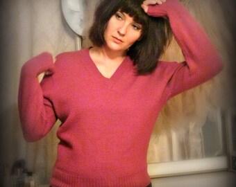 Vintage Magenta Sweater - Size M