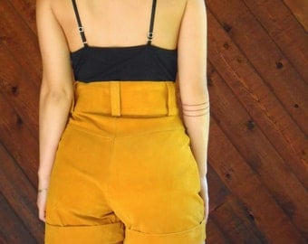 Mustard Suede Leather High Waist Shorts - Vintage 80s - XS or M