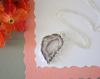 Geode Slice, Silver Geode Necklace, Druzy Necklace Silver, BoHo Necklace, Crystal Necklace, Silver Slice Druzy, Natural, Rock, GCH92