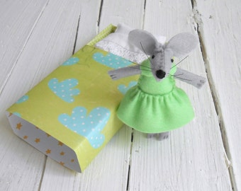 Gift mom mother daughter best friend matching Felt miniature mouse with bed in a matchbox mint green lime woodland nursery decor animals