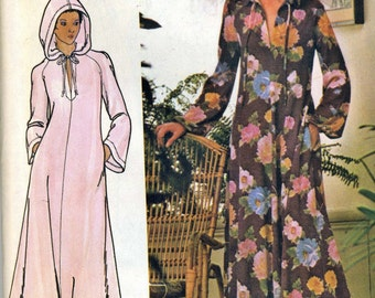 Vintage 70s Butterick 4513 UNCUT Misses Hooded Caftan Coverup Sewing Pattern Size Medium Bust 34-36