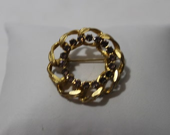 Vintage Gold Tone Chain Link Circle Brooch with Amethyst Rhinestones