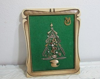 Jewelry Tree on Green Felt Framed Christmas Decor