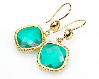 Emerald Green Earrings Cushion Cut Faceted Christmas Holly Green Faceted Crystal Gold Dangles High Fashion Classic Elegant Mei Faith
