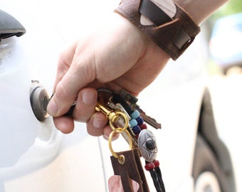 Pick Holster Keychain Set