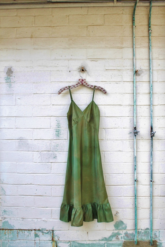Small Lucy Larcom Vintage Slip/Green sundress/Fairy Dress/Bohemian Goddess/Vintage Dress/Mad Men/Vintage Dress/1970 dress/Vintage Lingerie