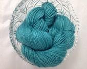 Suri Alpaca Yarn, Fingering 3 ply Yarn, Suri Alpaca/Polwarth/Silk 80/10/10, Hand Dyed Teal