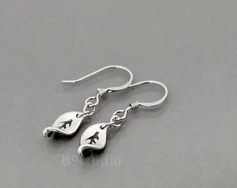 Tiny leaf Earrings gift, leaf dangle earrings, dainty small twist leaf jewelry, sterling silver / gold filled earwire, B9studio