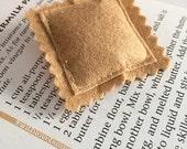 Ravioli Brooch - Pasta Lover - Cardigan Accessory