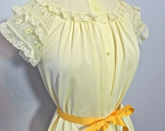 Vintage 50s Nighty , 1950s Yellow Negligee with Roses S M L XL - on sale