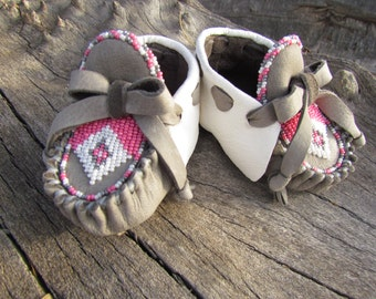 Baby Moccasins By Desi, Beaded, Valentine's Day Gift, White, Pink, grey leather, 3/6 months, Girl, Infant, dress shoes, Boho, Hippie, Tribal