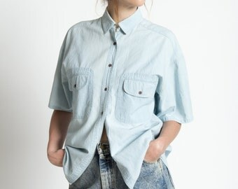 Vintage 90s Blue Chambray Cotton Short Sleeve Shirt with Pockets | M/L