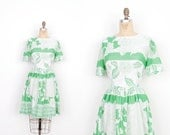 Vintage 1960s Dress / 60s Floral Printed Cotton Dress / Green and White (medium M)