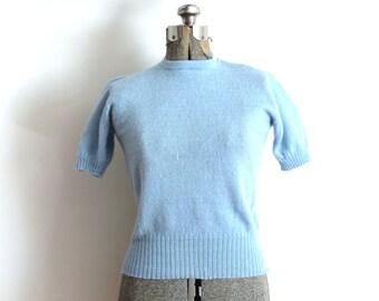 50s Sweater / 1940s 1950s Light Blue Wool Short Sleeve Sweater Blouse