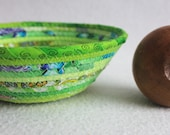 Small Fabric Bowl / Round Coiled Bowl / Basket / Eco Lime Green by PrairieThreads