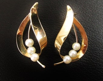 Vintage 14k Gold and Pearl Earrings