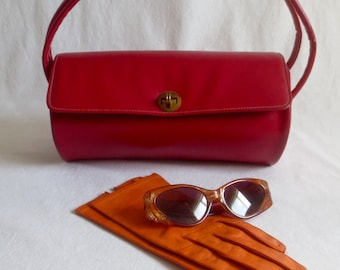 Vintage 1960's Mod RED Faux Leather Vinyl Purse / Handbag with Brass Butterfly Clasp