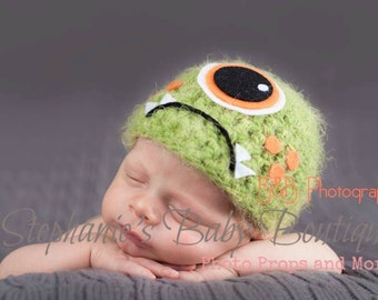 Crochet Baby Boy Green One-Eye Monster Hat, Custom Made, Newborn, 0-3, 3-6 Months Photo Photography Prop Baby Shower Gift, Halloween