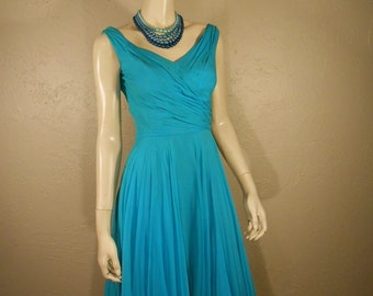 Hotter Than the Tropics - Vintage Late 1950s Bright Turquoise Chiffon Goddess  - 2/4