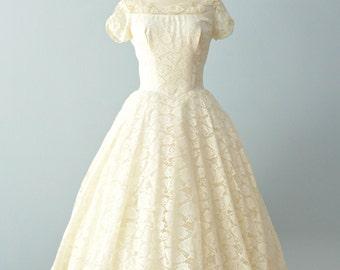 Vintage 1950s Wedding Dress...Darling Tea Length Fan Lace Wedding Dress