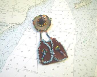 Mexico Beaded Felt Sombrero & Vest Dangly Pin