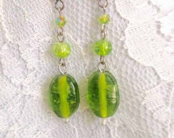 Green Crackle Rock Drop Bead Dangles Earrings - Mid Century Modern - Vintage Inspired