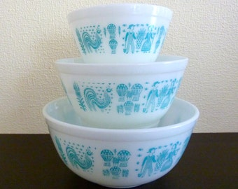 Set of 3 Vintage Pyrex Nesting Bowls 401, 402 & 403 - Turquoise Blue Amish Butterprint Pattern - Made in USA
