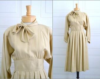 1970s Beige Full-Skirted Dress