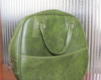 Vintage 60's Vinyl Avocado Green Carry-On Luggage Piece - Overnight Bag - Vacation - Suitcase - Travel - Weekend Bag - Bowling