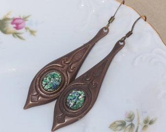 New Emerald Green Vintage Fire Opal Earrings,Dark Forest Green Harlequin Opal,Opal Drop,Antique Brass,Vintage Style,Estate,Vintaj Earring