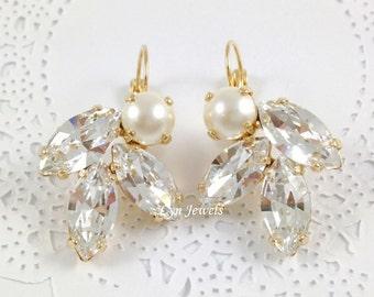 Wedding Cluster Earrings // Swarovski Crystal Pearl Earrings // Large Statement Wedding Earrings // Sparkling Prom Earrings