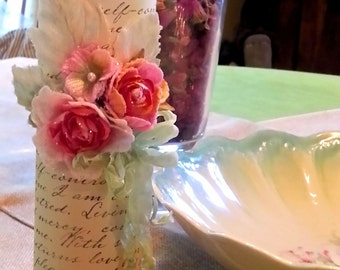 Romantic Candle, with Roses and Vintage text