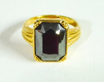Avon Vintage SHIMMERING SMOKE Ring ~ (Size: 7), 1982