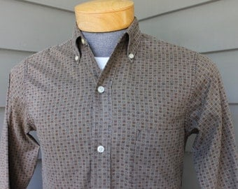 "vintage early 50's - 60's -Penney's- 3 button collar, long sleeve shirt. Funky print - All cotton. Small 14"" - 14 1/2"" x 31/32"