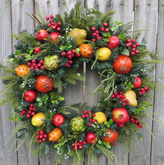 Williamsburg Christmas Decorating Ideas: Christmas Wreath Williamsburg Style Christmas Wreath With