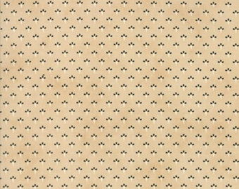 Chestnut Street, Turkey Tracks by Fig Tree Quilts,20277 15 Chestnut, Moda Fabrics,Beige/Camel with Sm Design in Cream & Blk