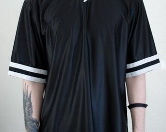 b&w striped jersey - XL