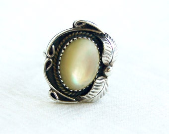 Mother of Pearl Ring Vintage Southwestern Sterling Silver Size 4 .5 Feather White Boho Ring Southwest Jewelry
