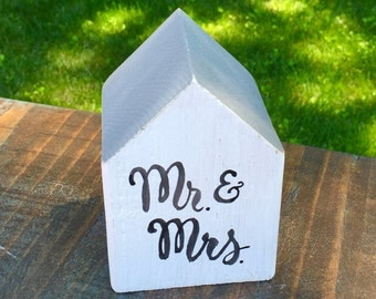 Wedding Sign, Nantucket Grey + White, Mr. & Mrs. Cottage, Rustic Table Decor