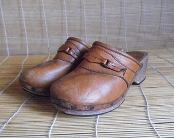 Vintage Brown Leather Wooden Sole Clogs Made In Sweden - Size 42 Euro / US Women 10