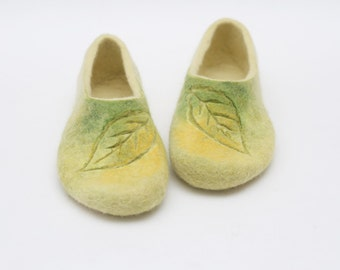 Felted slippers Autumn leaves Autumn inspired Women shoes slippers Yellow green Traditional natural felt Handmade Home shoes Gift for her