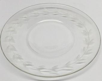 Clear Glass Etched Plate 6 inch Laurel leaf pattern