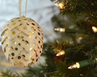 Trendy Gold Polka Dot Christmas Ornament Modern Handmade Folded Ribbon Pine Cone Decoration for Holiday Tree Office Gift Exchange Idea