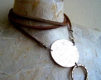 Metal loop necklace bold/Leather wrap necklace mınımalıst,modern