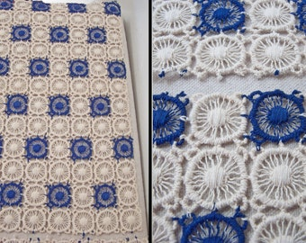 Crocheted Lace Doilies Set of 4 30s Blue Ivory Wheel Shapes Napkins