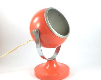 Vintage orange metal and chrome eyeball table lamp or desk lamp. Seventies. Space Age. Atomic. Spherical.