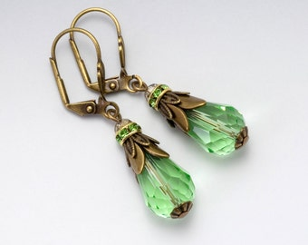 Green Crystal Earrings, Nickel Free Antiqued Brass Jewelry, Crystal Drop Earrings Filigree, Green Jewelry, Green Dangle Earrings, Corazon