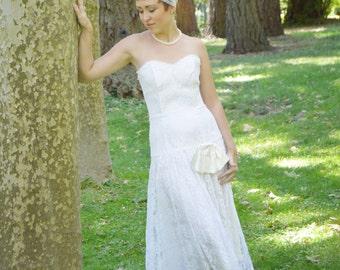 Vintage 1980's Ivory White Gunne Sax Wedding Dress - Cream  White Strapless Lace Mid length Dress - Gunne Sax- ladies size Small